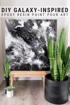 This post shares a great epoxy resin painting for beginners project. Learn how to make this super easy galaxy-inspired epoxy resin paint pour! Diy Art, Diy Wall Art, Resin Wall Art, Epoxy Resin Art, Galaxy Painting, Painting Art, Resin Paintings, Diy Galaxy, Epoxy