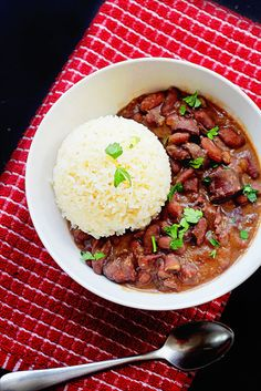 Cajun Red Beans and Rice, from Grandbaby Cakes. Made with dried beans. Cajun Recipes, Bean Recipes, Rice Recipes, Crockpot Recipes, Cooking Recipes, Healthy Recipes, Recipies, Cooking Ribs, Cooking Beets