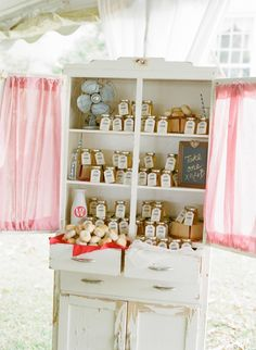 biscuits + honey for take-home favors!   Abby Jiu #wedding