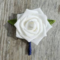 Navy Blue and white boutonnieres budget by KelseysHomeDecor