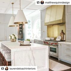 #Repost ・・・ #LevantinaAtlanta was honored to be part of this years @atlantahomesmag @southeasternshowhouse. Was wonderful working with the extremely talented designers @matthewquinndesign @laurendeloachinteriors. Calacatta Gold marble from Levantina, fabrication & install @crhomedesign. #levantinausa #levantina #interiordesign #seshowhouse17 #yongpak #laurendeloachinteriors #matthewquinn #thespringshowhouse #atlantahomesandlifestyles #atlanta #kitchen #calacatta #marble #naturalstone #design