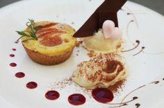 http://www.ristoramagazine.ch/2013/12/tortino-alle-albicocche-con-gelato-al-croccante-e-spuma-al-te-bianco/#comment-area