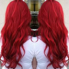 Looking at this beautiful hair color just makes me want to die my hair right now! Back to red I go.