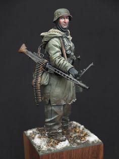 Jeff Shiu's miniatures 120mm German MG42 Gunner 1943