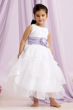 Adorable flower girl dress! Perfect for a #destinationwedding.
