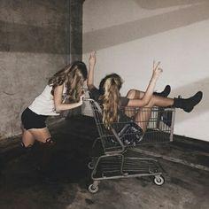 craziness, friends, girls, summer, yolo