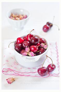 fs: confettura di ciliegie e boccioli di rosa...