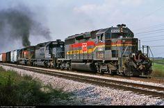 RailPictures.Net Photo: CSXT 8122 CSX Transportation (CSXT) EMD SD40-2 at Sonora, Kentucky by Sid Vaught