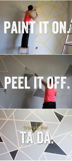 Foto: Geometrische Wandgestaltung mal ganz anders. Gewünschtes Muster mit Malerband kleben und dann mit gewünschter Farbe überstreichen. Malerband abziehen und fertig ist die einzigartige Wandkunst. Veröffentlicht von Stylista auf Spaaz.de