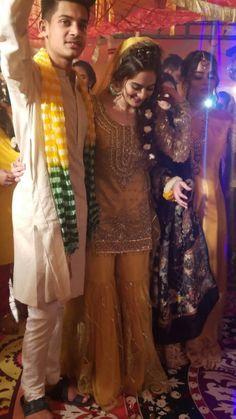 Boys sanchak Bridal Mehndi Dresses, Indian Gowns Dresses, Walima Dress, Asian Wedding Dress Pakistani, Beautiful Pakistani Dresses, Mehndi Dress For Boys, Wedding Outfit For Boys, Wedding Attire, Bridal Pictures