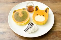 SNSでも大人気の「タヌキとキツネ」。今回は、東京で開催される「タヌキとキツネcafe」へ行って実際にメニューを食べてみました。