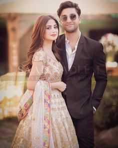 Ahad Raza Mir and Sajal Aly Awesome Pictures from Yasir Iqra Wedding – funny wedding pictures Asian Wedding Dress Pakistani, Pakistani Dress Design, Pakistani Dresses, Couple Wedding Dress, Wedding Dresses For Girls, Girls Dresses, Party Looks, Sajal Ali Wedding, Bridal Mehndi Dresses