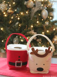 Toilet Paper Roll Craft for Christmas - Santa Toilet Paper Roll - Reindeer Toilet Paper Roll #CottonelleHoliday #PMedia #ad