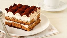 With rich, pillowy cocoa-topped layers of sweetened mascarpone and ladyfingers dipped in espresso, it's no wonder that tiramisu has become one of Italy and the world's most iconic desserts. Italian Tiramisu, Italian Desserts, Italian Dishes, Italian Recipes, Cheesecake Classique, Sweet Wine, Tiramisu Cake, Unsweetened Cocoa, Catering