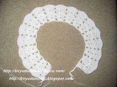 ve resimdeki gibi trabzanlar yapıyoruz Crochet Baby Jacket, Crochet Baby Sweaters, Crochet Yoke, Crochet Cardigan, Hand Crochet, Crochet Stitches, Crochet Hats, Knitting For Kids, Baby Knitting Patterns