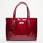 OOOOOHHHHHHHH Yes!  New From Coach.com   Glad that it's something other than those lollypop purses they been doing for the Tweens