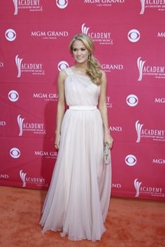 Carrie Underwood at the MGM Grand Hotel for the Country Music Awards in Las Vegas, such a cute dress <3