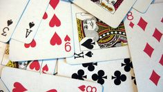 Common goals with cards can facilitate teamwork.