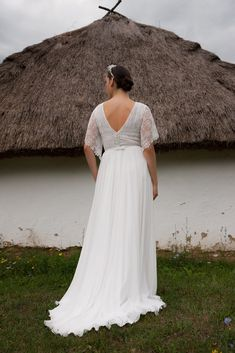 Folk Wedding Dresses- Your Perfect Modern Vintage by Daalarna, Tradition meets modernity, and old meets new in the FOLK bridal collection. White Wedding Dresses, Bridal Dresses, Lace Wedding, Plus Size Bohemian, Elegant Bride, Plus Size Wedding, Boho Bride, Wedding Styles, Hollywood