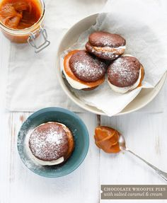 chocolate whoopie pies with caramel