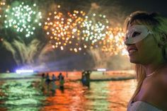 Fireworks light up the sky along Copacabana Beach in Rio de Janeiro on January 1, 2013, during celebrations by over three million people attending New Year's Eve festivities.  World cities from Sydney and Hong Kong to Dubai and London rang in the New Year with spectacular fireworks, as revelers at Times Square in New York sought to top off the global extravaganza.     AFP PHOTO / ARI VERSIANI / AFP PHOTO / ARI VERSIANI