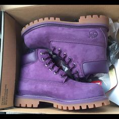 Purple timberlands Size 6.5 mens . I wear 8.5 womans new! Worn 1 time Timberland Shoes Winter & Rain Boots