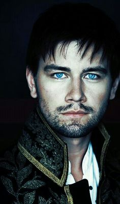 Reign - Sebastian. God those eyes are beautiful