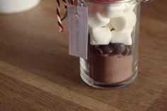 Was könnte es Schöneres geben, als sich bei der Kälte draußen zuhause mit einer Tasse heißer Schokolade aufzuwärmen? Am...