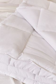 Tufted Dot Duvet Cover | Urban Outfitters #BakingSodaForHair Baking Soda Beauty Uses, Baking Soda For Hair, Baking Soda Water, Baking Soda Vinegar, Baking Soda Shampoo, Baking Soda Uses, Mild Shampoo, Natural Shampoo, Clarifying Shampoo