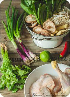 Zutaten für die Asiasuppe mit Hähnchen-Wan-Tan