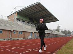 Stavba nové fotbalové tribuny v Ústí nad Labem. Lab, Louvre, Sports, Hs Sports, Labs, Sport, Labradors
