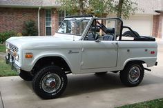 Vintage Cars Jeep Hybrids And Electric Cars - - Classic Ford Broncos, Ford Classic Cars, Classic Trucks, Chevy Classic, Lifted Trucks, Chevy Trucks, Chevy Pickups, Chevy Stepside, Ford Pickup Trucks