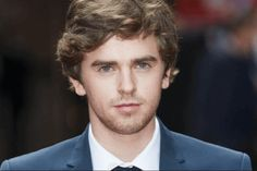 Freddie Highmore to Star in ABC Pilot 'The Good Doctor ...