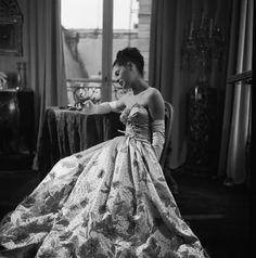 dress by Robert Piguet - 1946