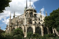 Notre Dame - Nothing like a flying buttress to get your day started!  The Crown of Thorns is here!