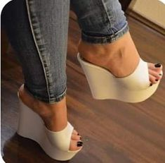 Sexy High Heels, High Heels Boots, Beautiful High Heels, Sexy Legs And Heels, Shoes Heels Wedges, Platform High Heels, Wedge Heels, Pantyhose Heels, Nylons