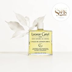 Huile de Leonor Greyl Refined copra oil which comes from cold-pressed coconut kernels and mongongo oil, extracted from the nuts of an African tree that grows in the Kalahari Desert both possess excellent hydrating, regenerating and restructuring qualities which have been combined to reinvent your global cult favorite.