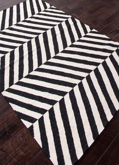 The Jaipur Maroc Salma Flat Weave Stripe Pattern Wool Handmade Rug is just the thing your home is missing. This beautiful rug is an easy way to bring. Wool Area Rugs, Wool Rug, Dhurrie Rugs, Jaipur Rugs, Natural Fiber Rugs, Black Rug, Black White, Striped Rug, Pillow Fabric