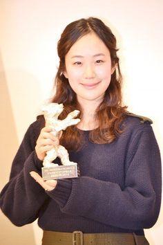 「小さいおうち」ベルリン銀熊賞の黒木華が凱旋会見「みんなでもらった賞」