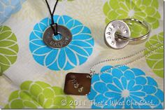 Metal Dapping Stamp Set Hammer Metal stamping blanks or washers permanent marker necklace, bracelet, chain, or key ring Magic Eraser Simple Jewelry, Metal Jewelry, Hand Gestempelt, Diy Jewelry Projects, Jewelry Ideas, Craft Projects, Giveaway, Hand Stamped Jewelry, Metal Crafts