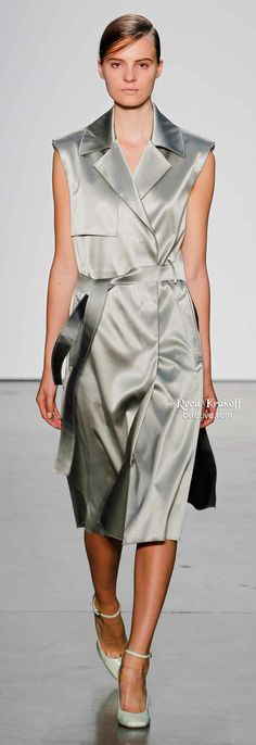 Reed Krakoff Spring 2014 Ready-to-Wear Fashion Show - Tilda Lindstam Diva Fashion, Grey Fashion, Timeless Fashion, Fashion Show, Fashion Outfits, Fashion Design, Classy Fashion, Fashion Addict, Runway Fashion