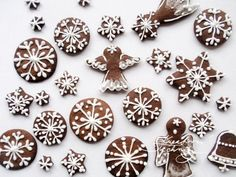 Vánoční perníčky recept a zdobení | Kreativní Techniky Christmas Room, Christmas Baking, Christmas Cookies, Christmas Holidays, Christmas Cards, Christmas Decorations, Christmas Ornaments, Holiday Decor, Christmas Ideas