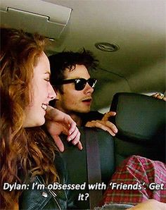 In-N-Out - Waitress: My friend is obsessed with your show. Dylan´s answer... gif
