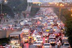 Shahrah-e-Faisal Traffic Jam
