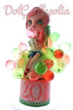 Cake bubble Blythee - This cake covered with fondant, is toper Blythe doll edible chocolate paste and a gelatin bubbles.