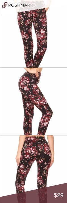 🌺FLORAL TREGGINGS🌺 ONLY 2 LEFT!😲 🌺Poly brush Super soft Treggins (Trouser Leggings)🌺Banded waist for control 🔝 with Pockets and zipper trim #obsessed Pants