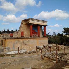 Knossos, Kreta Tours, Cabin, House Styles, Home Decor, Crete, Nice Asses, Decoration Home, Room Decor, Cabins