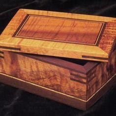 Classic Mankomi Box by Timothy Lydgate