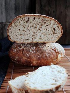 Chleb pszenno żytni na pszennym zakwasie, piekłam całkiem niedawno. Uwielbiam ten chleb... przypomina polski chleb…prosty przepis na chleb na zakwasie Sourdough Bread, Bakery, Food And Drink, Eggs, Lunch, Cooking, Sweet, Recipes, Breads