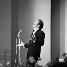 Domenico Modugno a Sanremo. Quando c'era lui.....